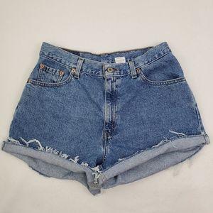 Vintage Levi's cut off mom jean shorts size 12